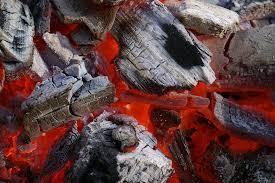 Alguien se ha portado mal y los Reyes en la e-revista de @AMYTSMEDICOS le traen mucho carbón